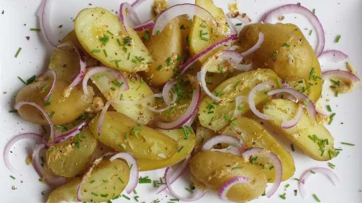 salade de pommes grenaille recette par ma petite cuisine. Black Bedroom Furniture Sets. Home Design Ideas