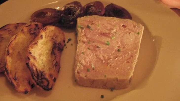 terrine au foie de veau gras de jambon oignons et pommes. Black Bedroom Furniture Sets. Home Design Ideas