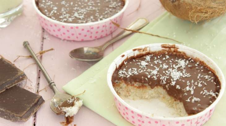Gâteau au bounty vegan, sans sucre et sans beurre