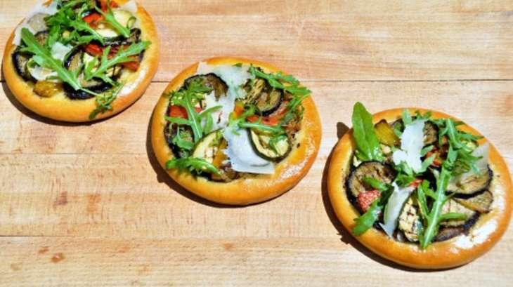 Comme une focaccia: une Tarte aux Légumes grillés