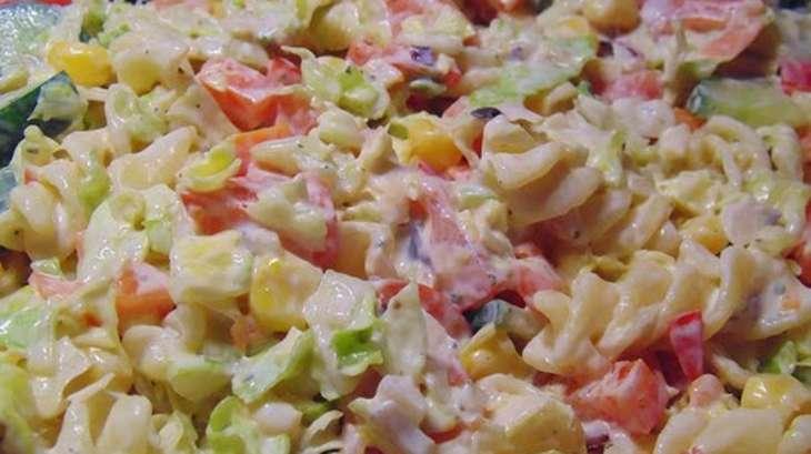 salade de macaronis au jambon fromage carotte oeufs mayonnaise porto recette par