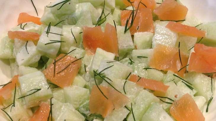salade de concombre saumon et aneth recette par katia au pays des gourmands. Black Bedroom Furniture Sets. Home Design Ideas