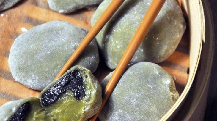 Daifuku mochi au thé matcha et sésame noir