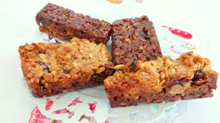 Barres aux 5 céréales aux deux chocolats, cranberries et cacahuètes