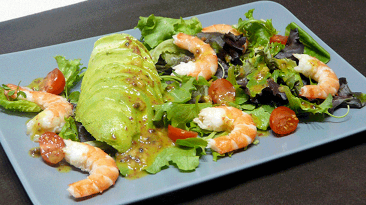 salade avocat crevettes aux baies roses recette par simple gourmand. Black Bedroom Furniture Sets. Home Design Ideas