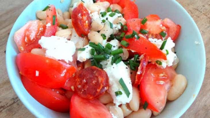 Salade de haricots Mogette, tomates, chorizo, chèvre frais et paprika