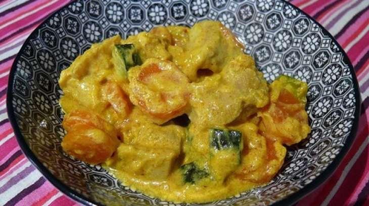 curry jaune de poulet aux carottes et courgettes - recette par delf745