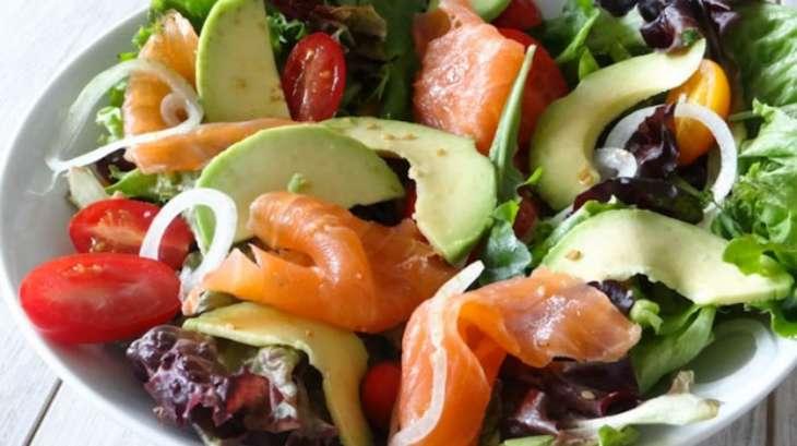 salade saumon fum avocat et tomates recette par la cuisine d 39 adeline. Black Bedroom Furniture Sets. Home Design Ideas