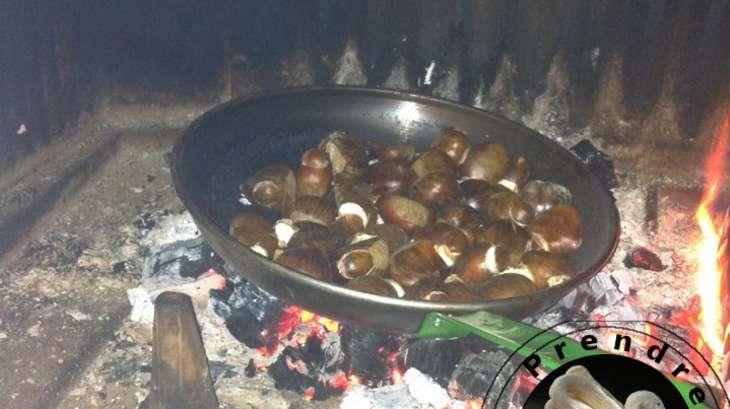 Ch taignes grill es au feu de bois recette par a prendre sans faim - Recette chataignes grillees ...