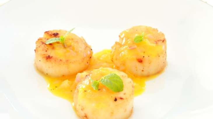 Noix de saint jacques po l es l 39 orange et au gingembre recette par del 39 s cooking twist - Cuisiner les noix de saint jacques ...