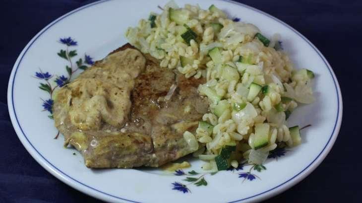 Foie de veau sauce cr me moutarde bl aux courgettes et piment recette par les vagabondages - Cuisiner le foie de veau ...