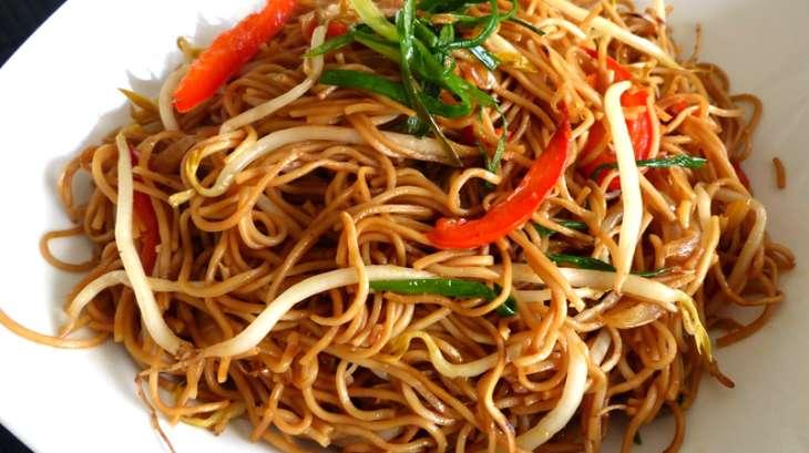 Nouilles saut es aux germes de soja recette par marlyzen - Cuisiner les germes de soja ...
