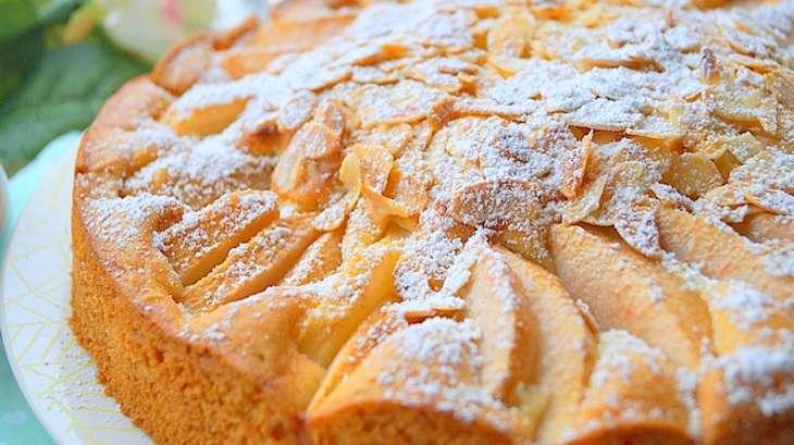 gâteau moelleux aux poires facile - recette par auxdelicesdupalais