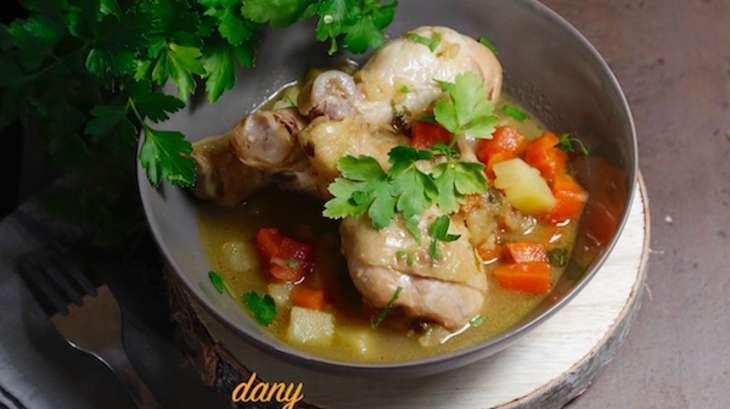 Pilons de poulet mijotés aux légumes et au Muscat