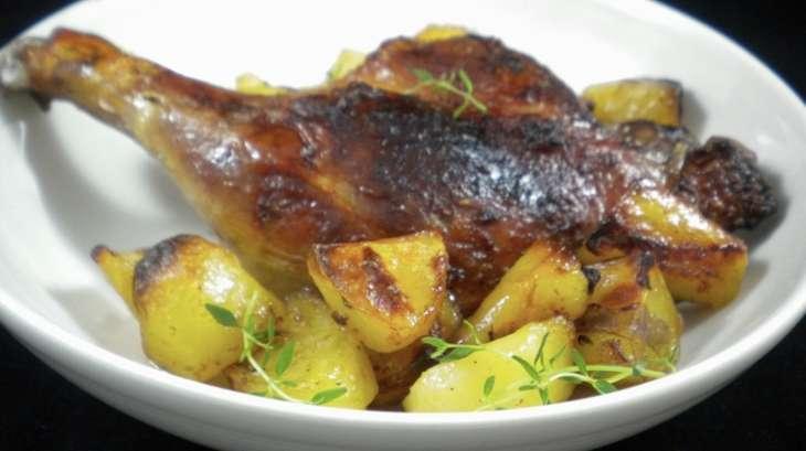 cuisses de canard au four et ses pommes de terre fondantes recette par mimm. Black Bedroom Furniture Sets. Home Design Ideas