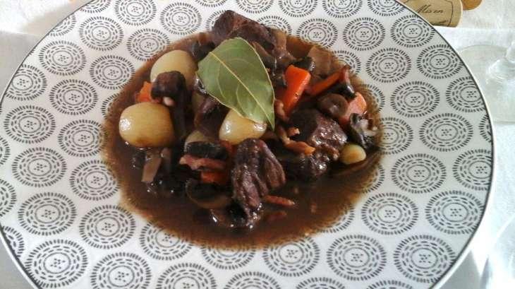 Boeuf bourguignon la table de clara recette par - Cuisiner le boeuf bourguignon ...