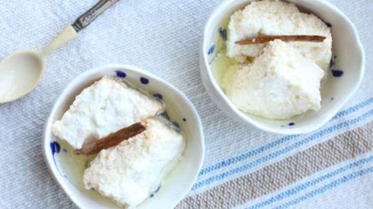 Caillés de lait à la cannelle et au sirop
