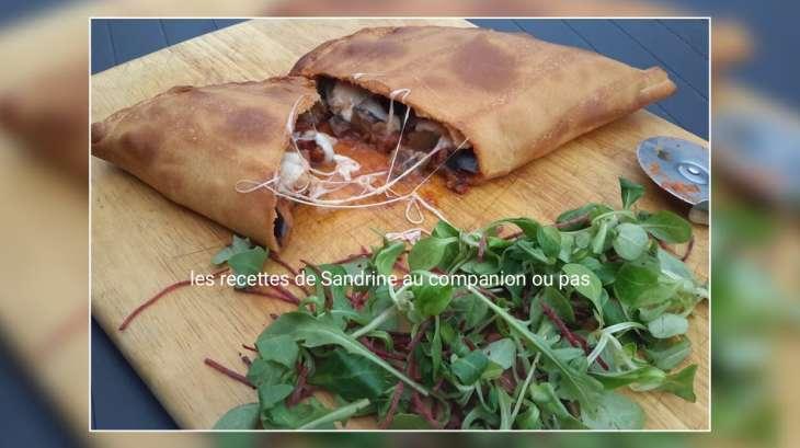Calzone végétarienne (tomates aubergines mozzarella)