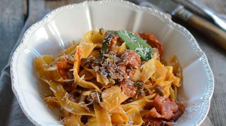 One pot pasta sauce aux olives provençale