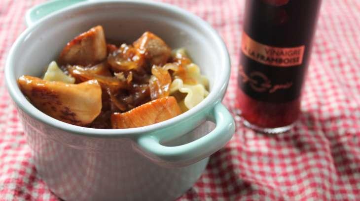 Poulet et oignons caramélisés au vinaigre de framboise