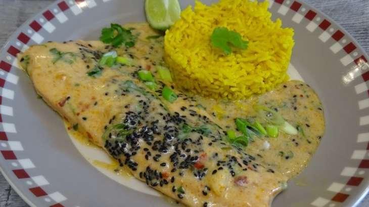 Filets de truite au curry rouge et riz au curcuma et badiane