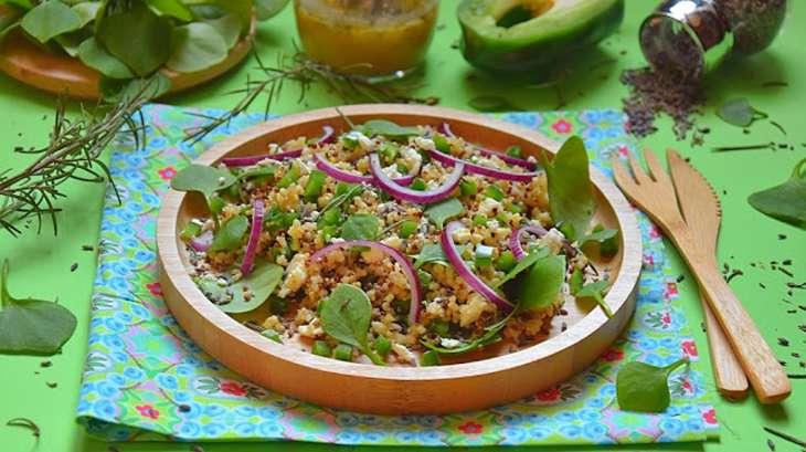 Salade aux 3 quinoas, pourpier d'hiver, chèvre, lavande, romarin, vinaigrette au miel