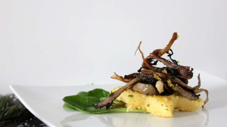 Polenta croustillante aux champignons