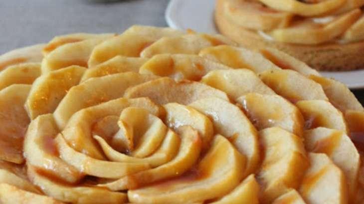 Le sablé aux pommes, à la vanille et au caramel au beurre salé