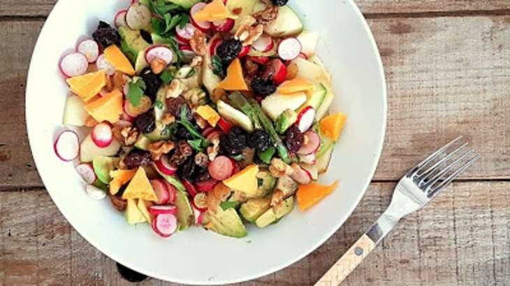 Salade légère avocats, radis et pommes vertes