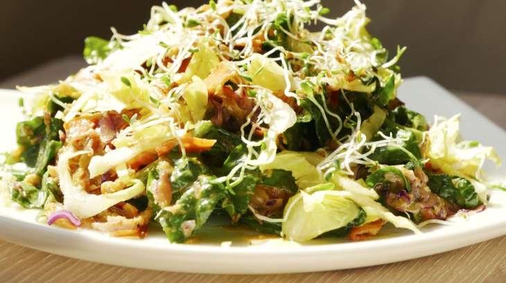 Salade composée aux 8 légumes