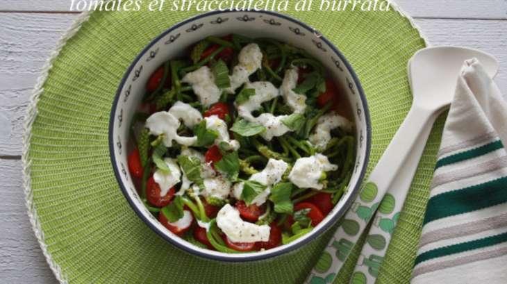 Salade d'ornithogales, tomates cerises et stracciatella de burrata