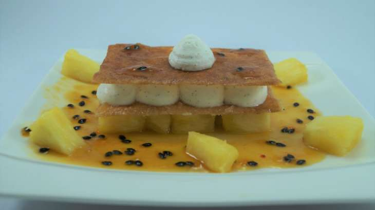 Millefeuille exotique : Ananas, Fruit de la passion et Vanille