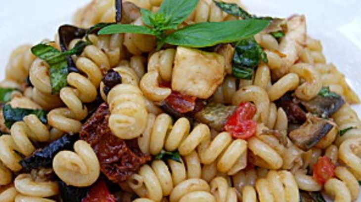 Salade de p tes l 39 italienne recette par la p 39 tite - Recette cuisine italienne gastronomique ...