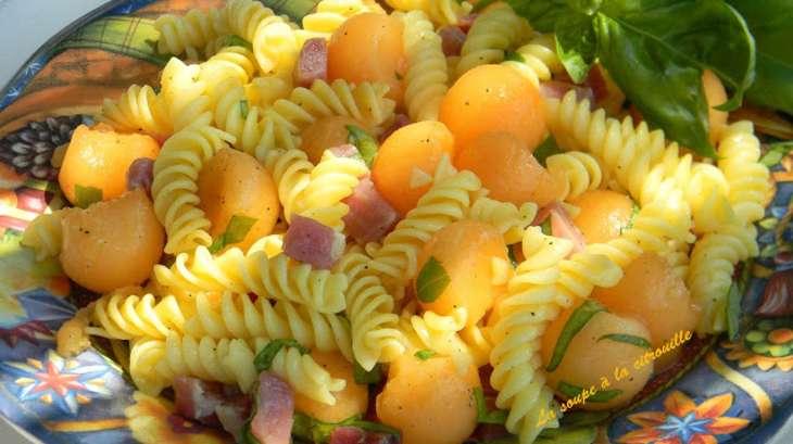 Salade de p tes au melon jambon de parme et basilic - Salade de pates jambon ...