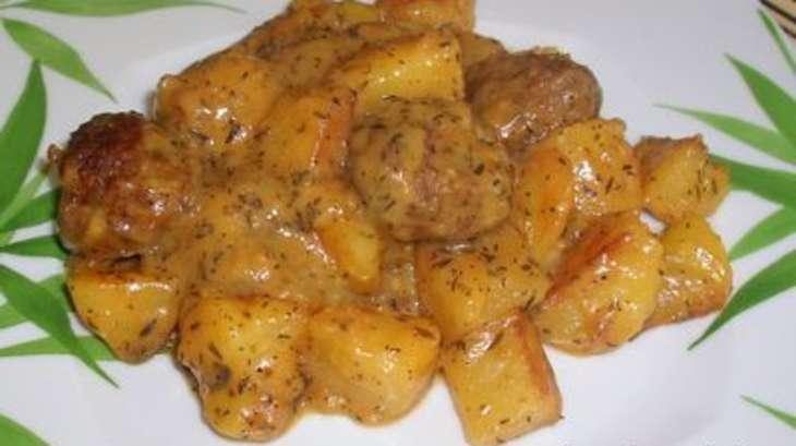 Boulettes de viande aux pommes de terre recette par la - Comment cuisiner les boulettes de viande ...