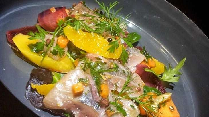 Salade tiède de harengs doux à l'orange et carottes multicolores