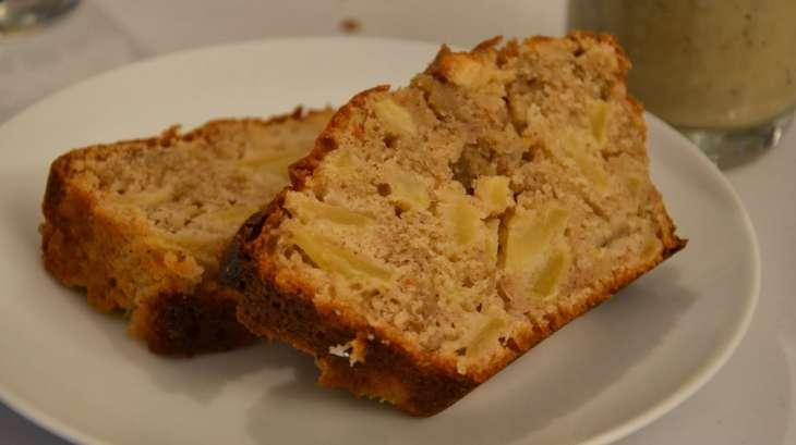 Gâteau yaourt aux pommes et à la cannelle