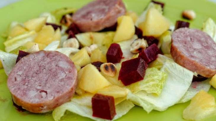Salade d 39 endives saucisse de morteau et pommes recette - Cuisiner saucisse de morteau ...
