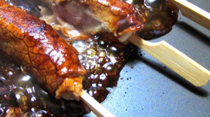Brochettes Yakitori au bœuf et au fromage