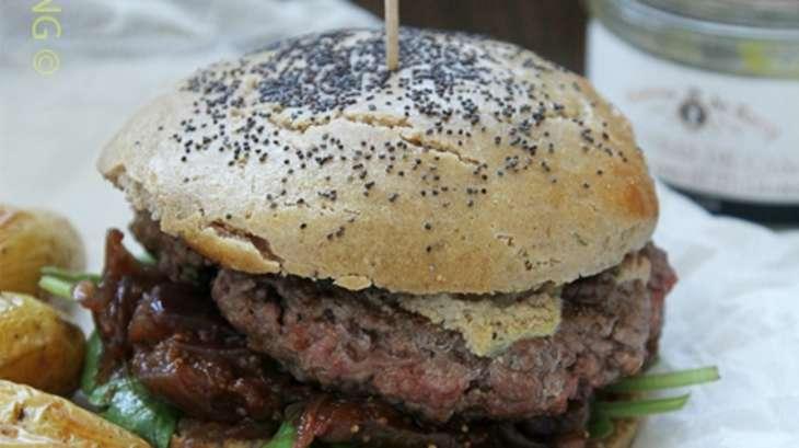 Burger compotée d'oignons aux figues et sauce foie gras