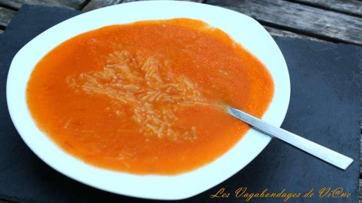 Potage de tomates au vermicelle