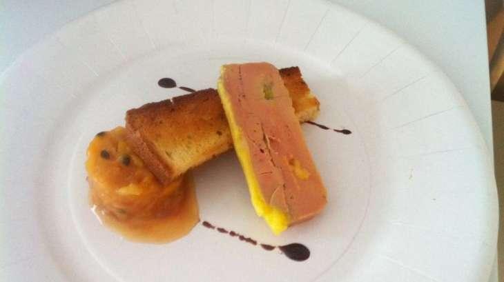 Terrine de foie gras, chutney de fruits exotiques