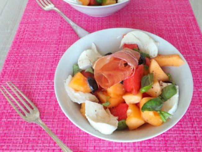 Salade D 39 T Au Melon Past Que Mozzarella Et Jambon