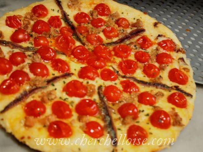 pizza aux tomates cerise anchois et thon par sabrina baroun. Black Bedroom Furniture Sets. Home Design Ideas