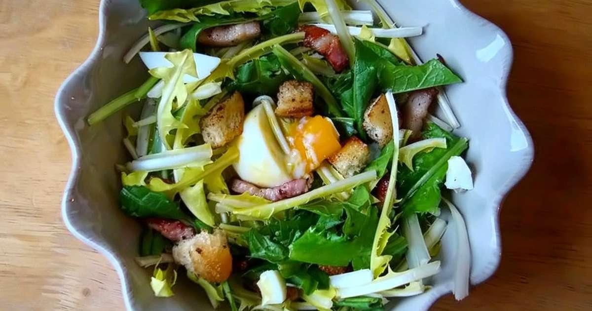 Salade de pissenlits aux lardons et oeufs mollets for Plat principal original