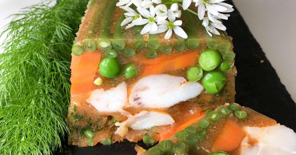 Terrine de poisson en gel e recette terrine de joue de lotte en gel e recette par chef simon - Cuisiner des joues de lotte ...