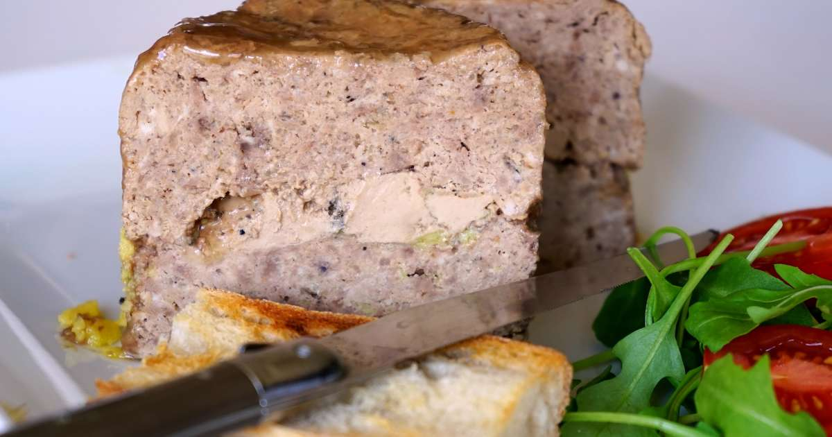 terrine de volaille au foie gras recette terrine de. Black Bedroom Furniture Sets. Home Design Ideas