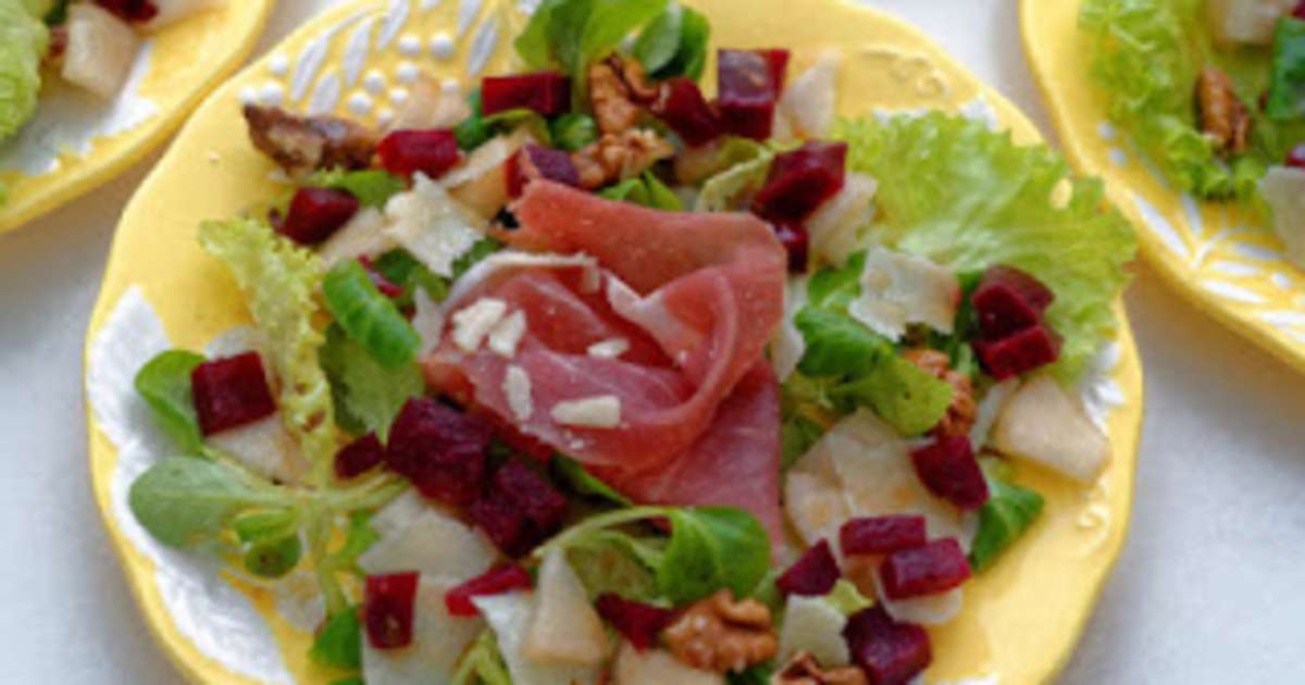 Salade jambon de parme poires et parmesan recette par for Entree froide original