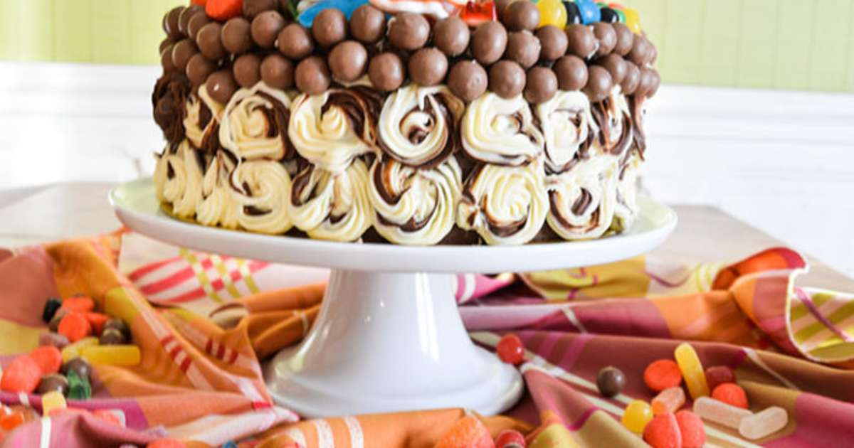 layer cake g ant au 3 chocolats sp cial anniversaire d. Black Bedroom Furniture Sets. Home Design Ideas