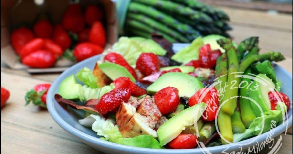 Salade printani re aux fraises et poulet recette par - Cuisiner les asperges vertes ...